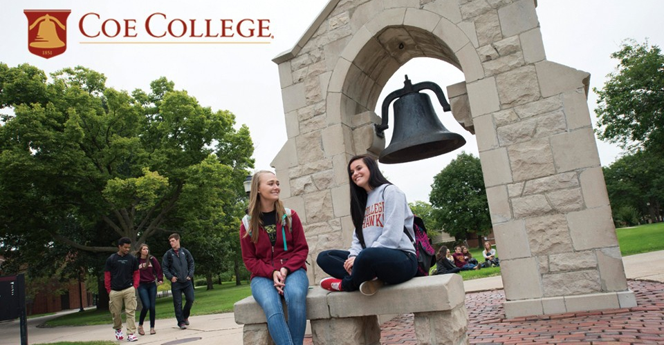 Portrait of students on the Coe College campus