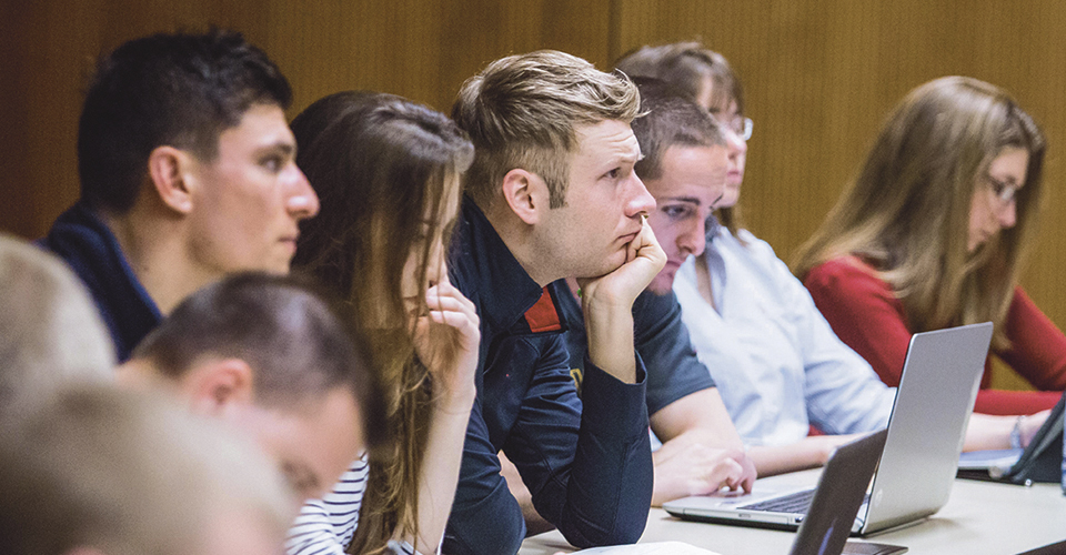 UI CPH Epidemiology students in a lecture