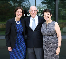 photo of Edith Parker, Peter Thorne, and NIEHS director Linda Birnbaum